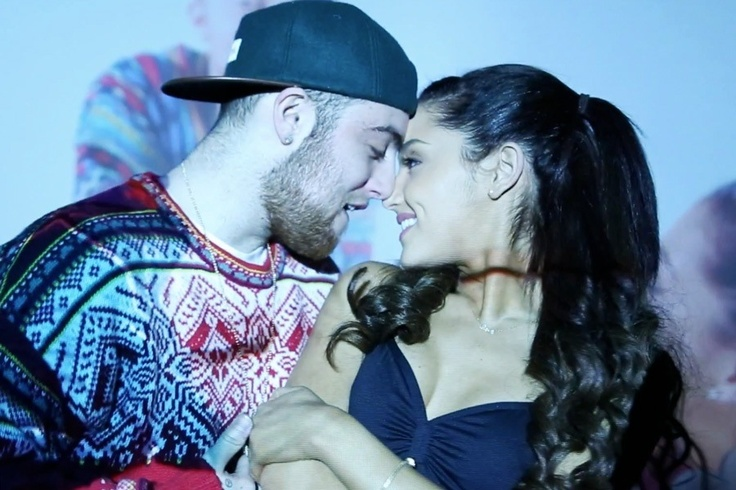 Ariana Grande shares pic of Mac Miller on Twitter
