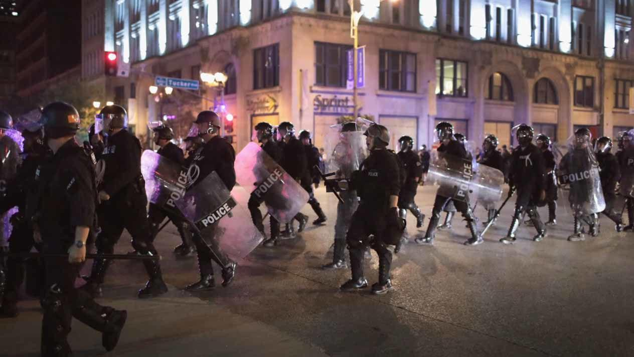Cops of St. Louis Accused of Beating an Undercover Officer