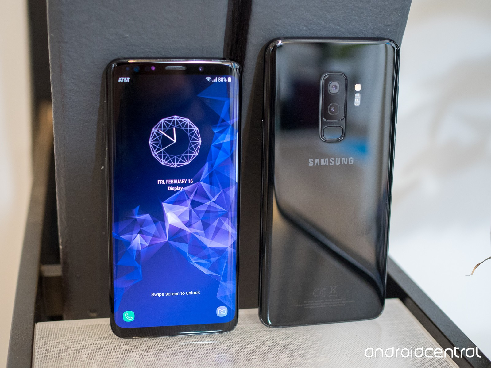 Notch Display in the Samsung Galaxy S9 series.