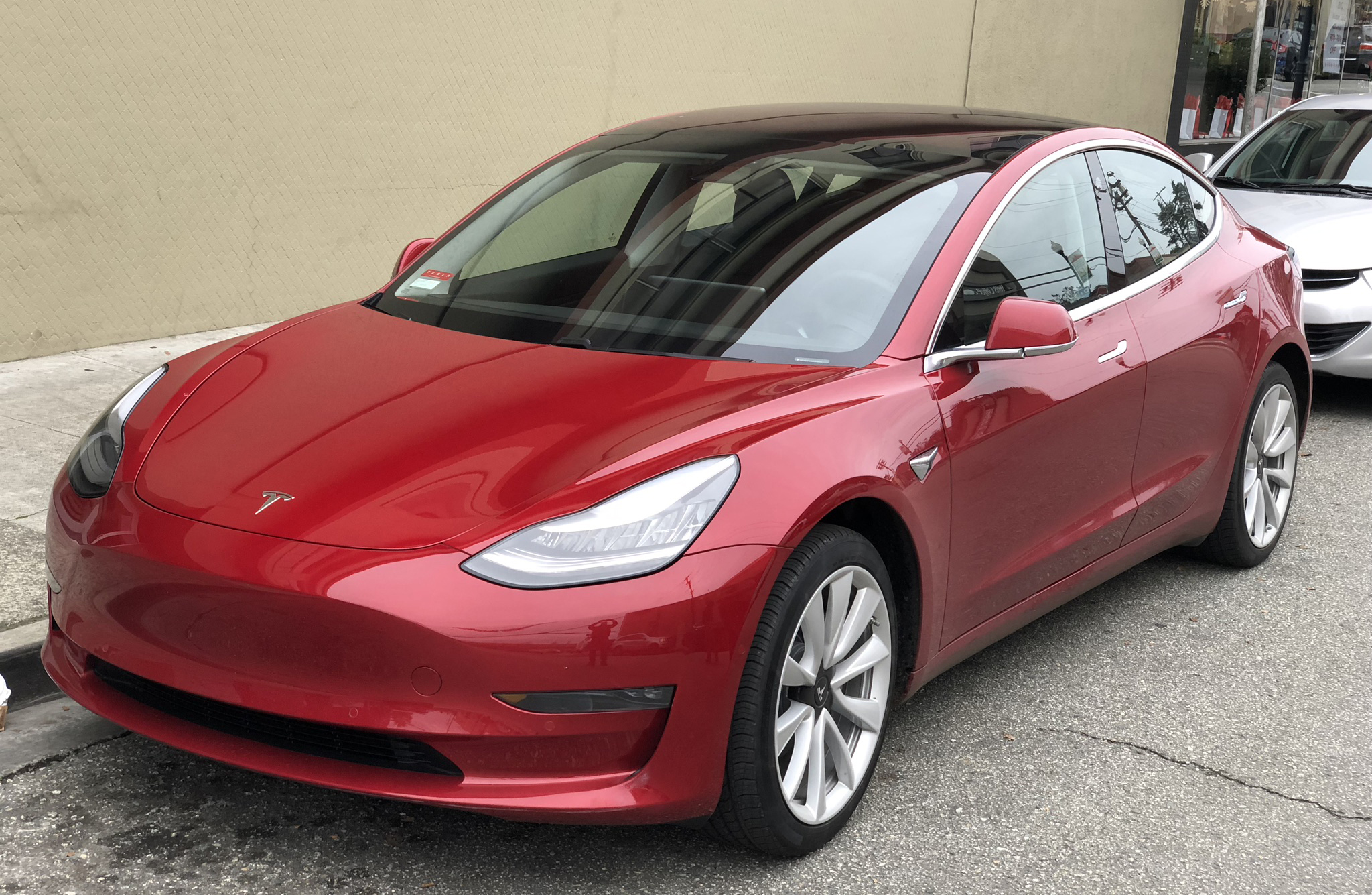 Tesla Model 3 systems hackable? Here is all you need to know