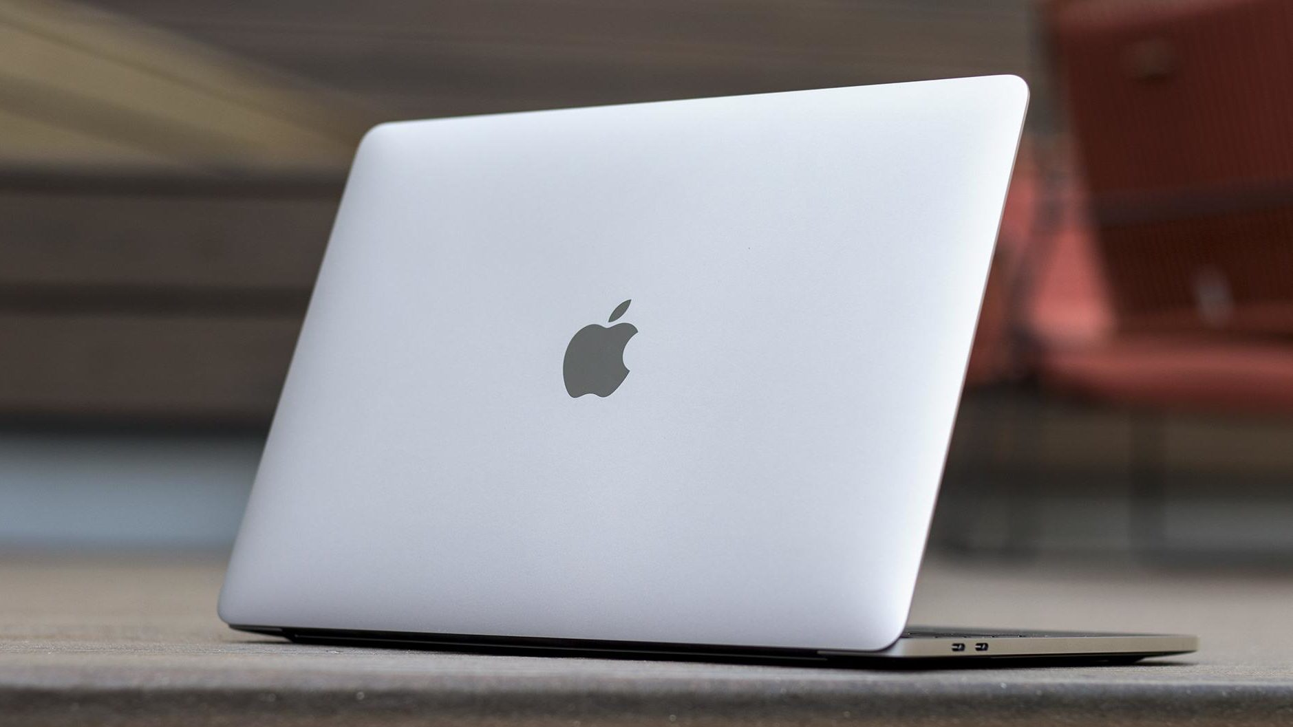 Apple macbook pro 2019 release date price specs features