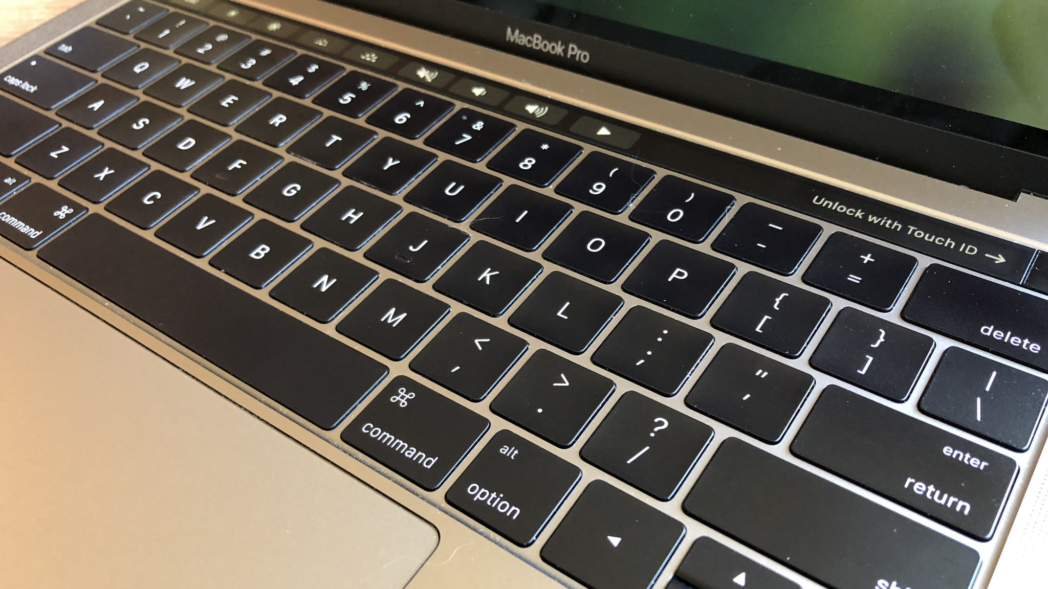 Apple MacBook to ditch problematic Butterfly Keyboard, claims Experts