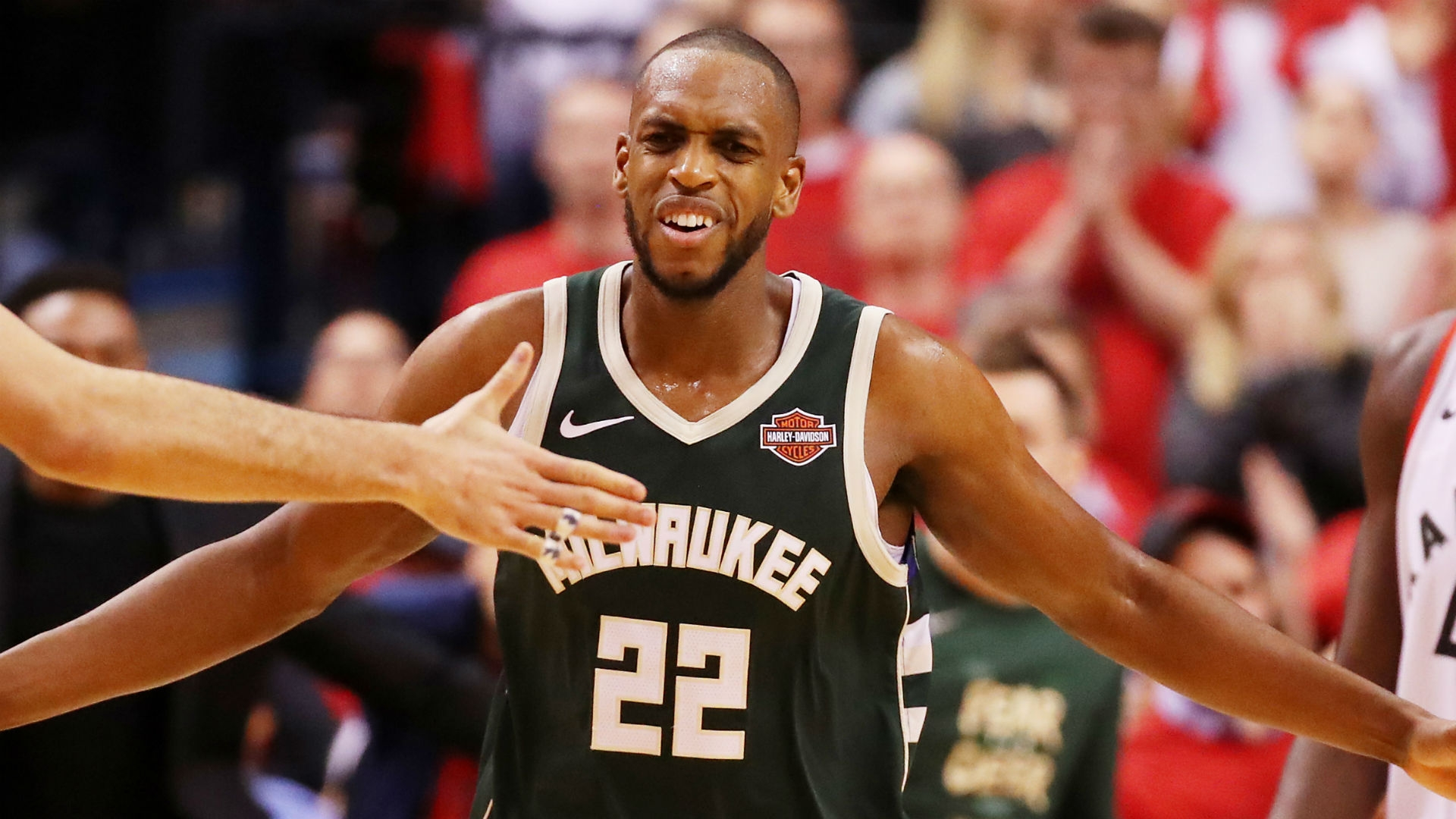 Milwaukee Bucks re-sign Khris Middleton to complete their Power Duo