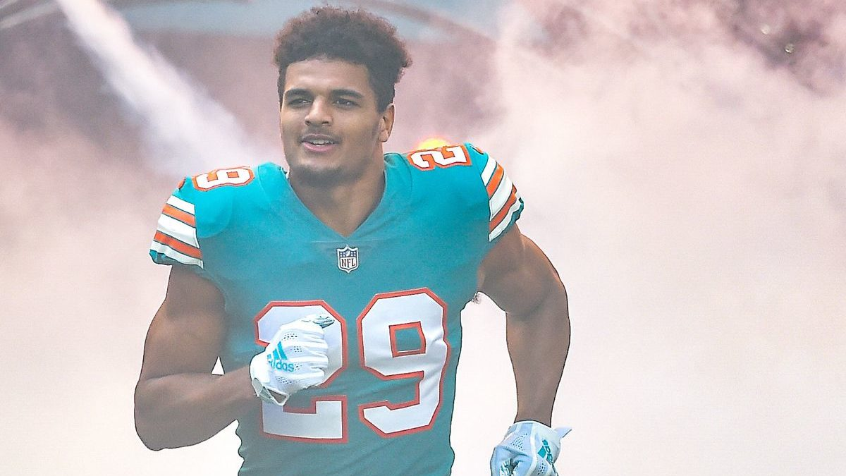 NFL Dolphins Safety Minkah Fitzpatrick Deals Eagles Chiefs Giants Steelers