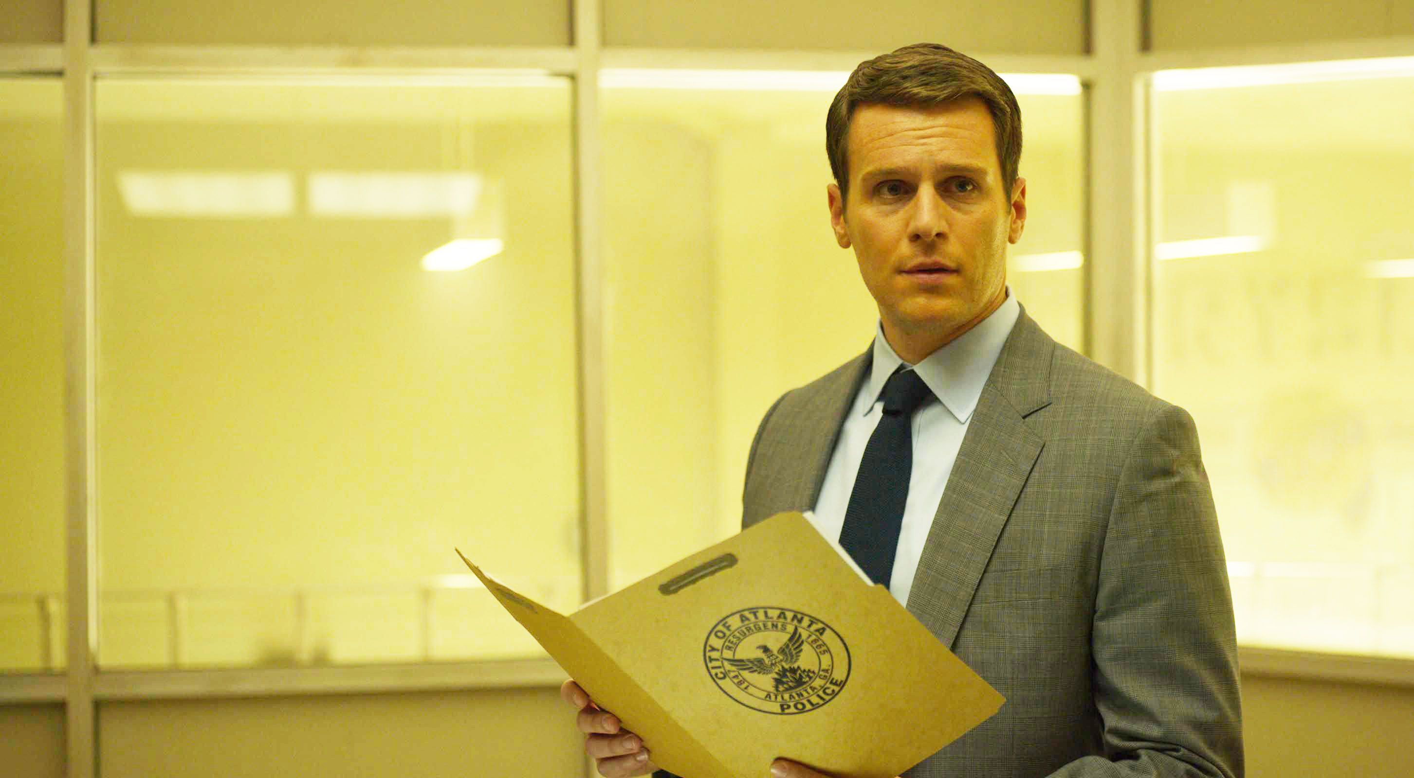Mindhunter Season 3 Delay Reasons Revealed Why did Netflix Terminated the Cast Contracts