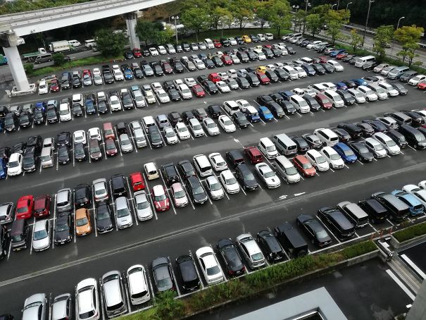 The unique reverse parking system in Japan
