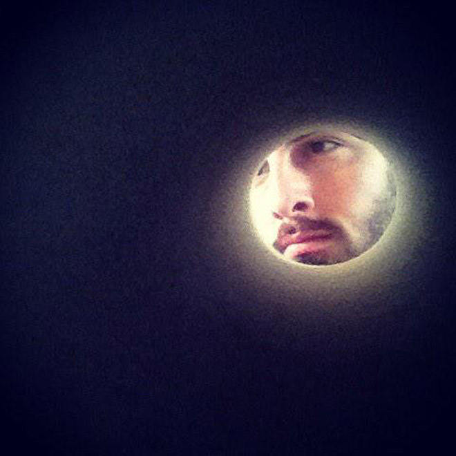 If You Take a Selfie Through a Toilet Roll Tube, You'll Look Like The Moon