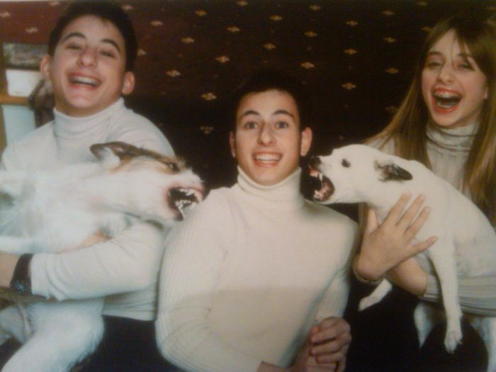 So I Heard You Guys Like Awkward Family Photos And Pictures Of Pets. Well, Check This Out