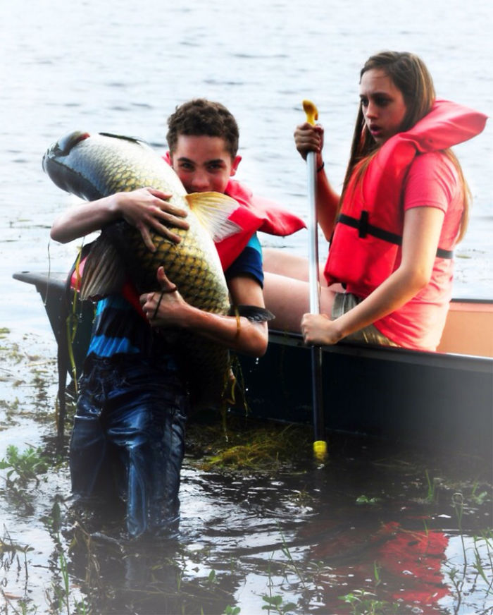 I Want That Fish! Son Improvises Without Fishing Gear, Yanks Carp Outta Lake, Shocks Both Fish And Sister