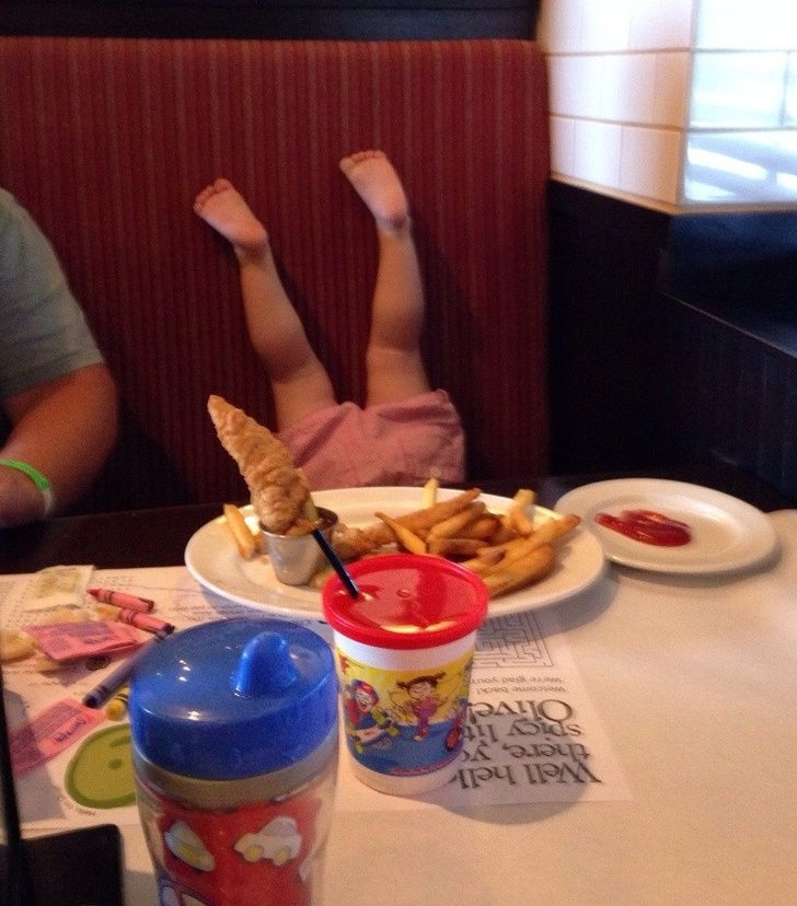 Taking kids out for a dinner is surely not a good idea!
