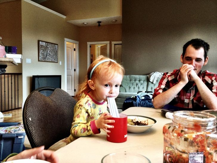 Hilarious kids: My daughter felt, one straw is not enough!
