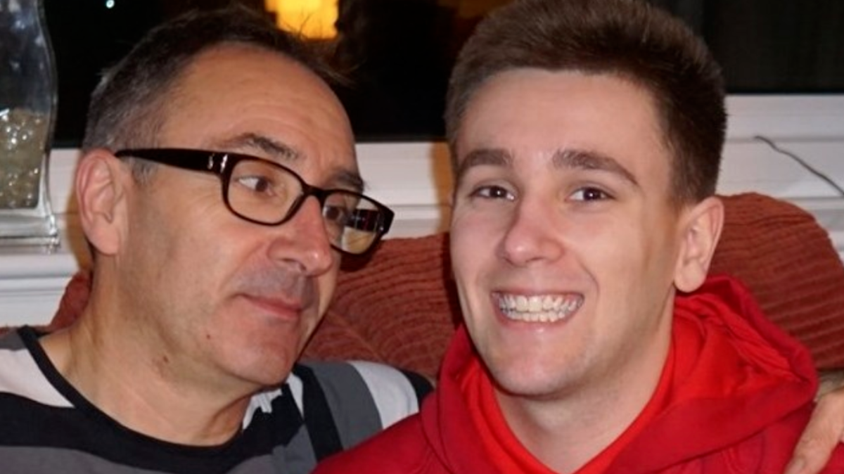 Heartbroken Dad Warns Parents After His Son Dies From Hours of Gaming